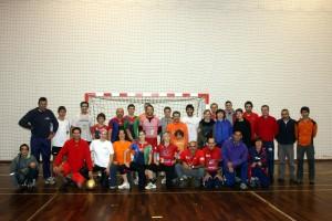 Foto dos jogadores e alguns penetras...